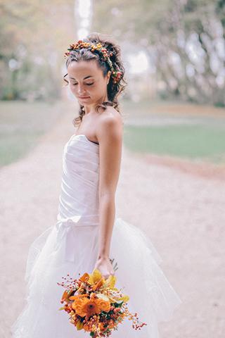 Ritratto sposa autunnale e bouquet